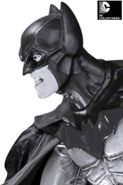 DC Collectibles Batman Black and White by Lee Bermejo V2 Statue