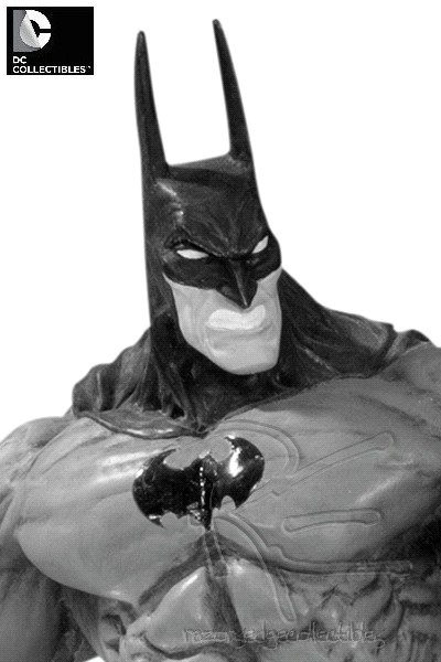 Preorder DC Batman Black and White Statue by Simon Bisley V2
