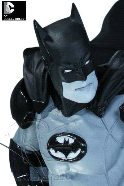 Preorder DC Collectibles Batman Black and White Ivan Reis Statue
