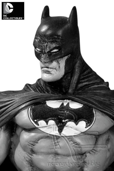 Preorder DC Batman Black and White Statue by Eduardo Risso V2