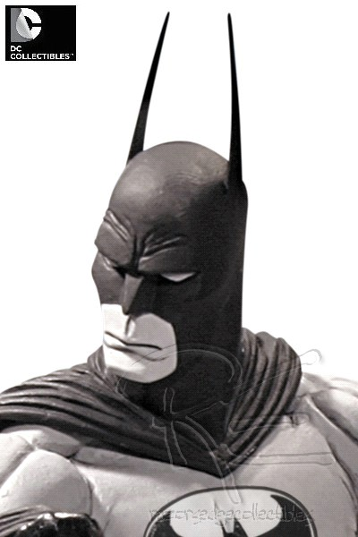 DC Collectibles Batman Black and White by Tim Sale Statue V2