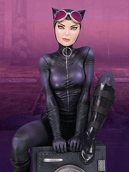 DC Collectibles DC Comics Cover Girls Catwoman Statue