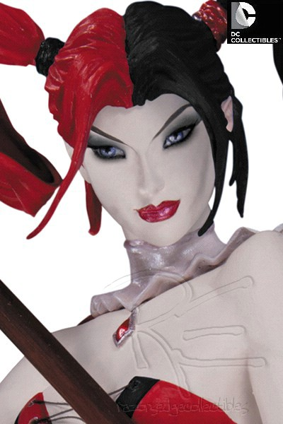 DC Collectibles Super Villains Harley Quinn Version 2 Mini Bust