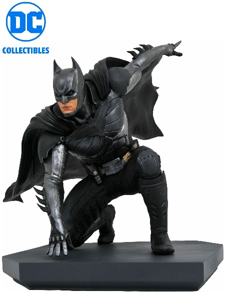 Diamond Select Toys DC Gallery Injustice 2 Batman PVC Statue