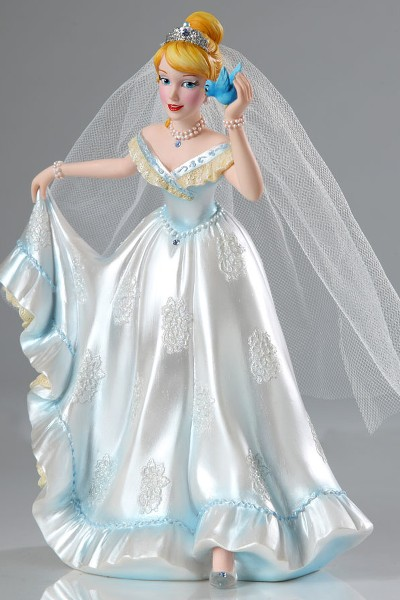 Disney Showcase Couture de Force Cinderella Wedding Figurine