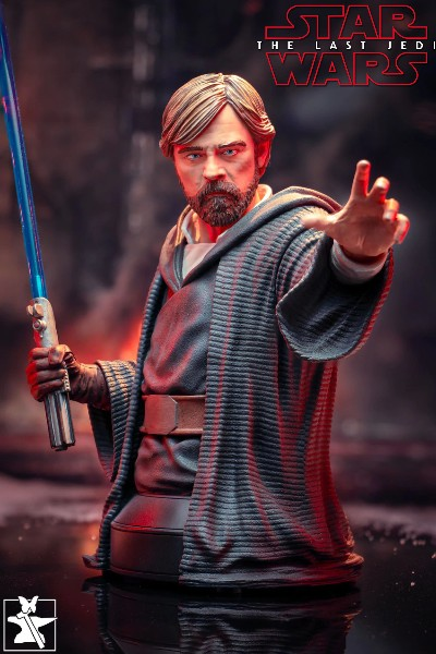 Gentle Giant Star Wars Last Jedi Luke Skywalker Crait Bust