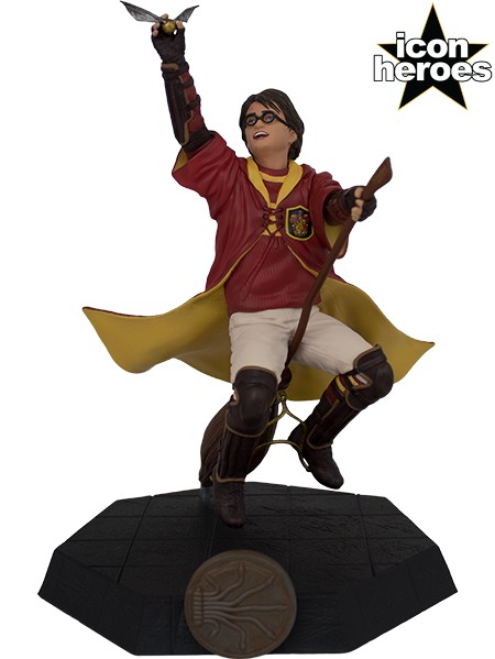 Icon Heroes Harry Potter in Quidditch Uniform PVC Figure