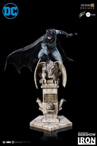 Iron Studios DC Comics Batman Deluxe Statue by Eddy Barrows