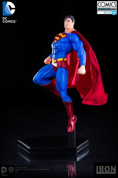 Iron Studios DC Comics Superman Art Scale Polystone Statue