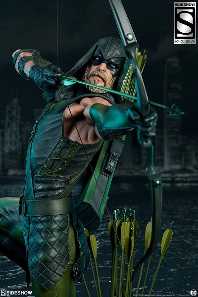Sideshow DC Green Arrow Premium Format Figure Exclusive