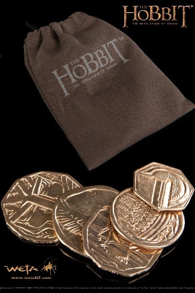 Weta Collectibles The Hobbit Smaug 5 Coin Treasure with Pouch