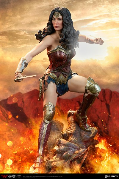 Sideshow DC Dawn of Justice Wonder Woman Premium Format Figure
