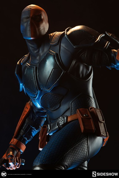 Sideshow Collectibles DC Deathstroke Premium Format Figure
