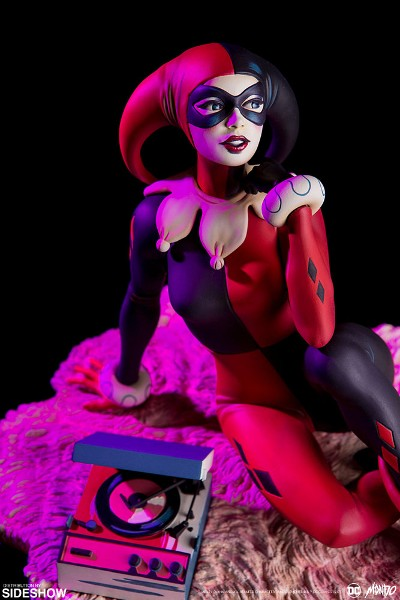 Mondo DC Comics Harley Quinn Waiting for My J Man Statue