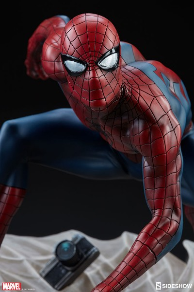 Sideshow Collectibles Marvel Spider-Man by Mark Brooks Statue