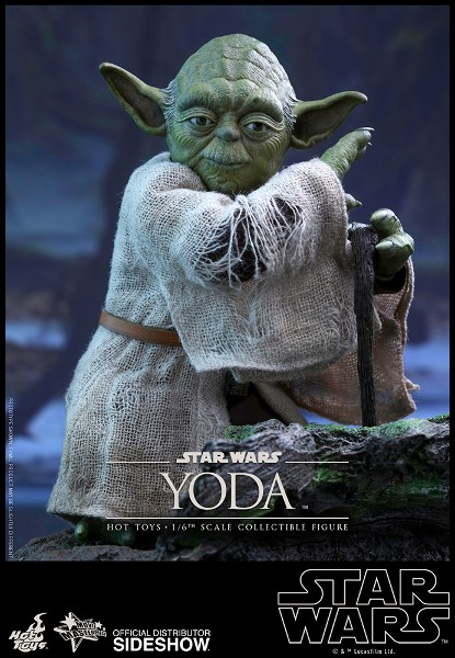 Hot Toys Star Wars Empire Strikes Back Yoda Sixth Scale Figure